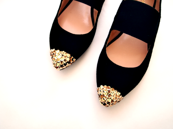 glitter-n-glue-sole-socielty-sequin-cap-toe-diy-toe.png